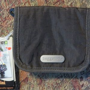 Small brown Baggallini jewelry zippered bag, nwt